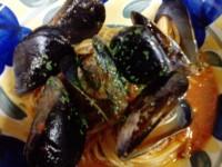 ムール貝のガーリックトマトパスタ