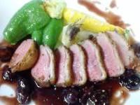 鴨胸肉のロースト、ブドウのソース