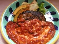 牛肉のハンバーグ、トマトチーズソース